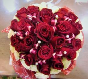 薔薇でハートを贈る…